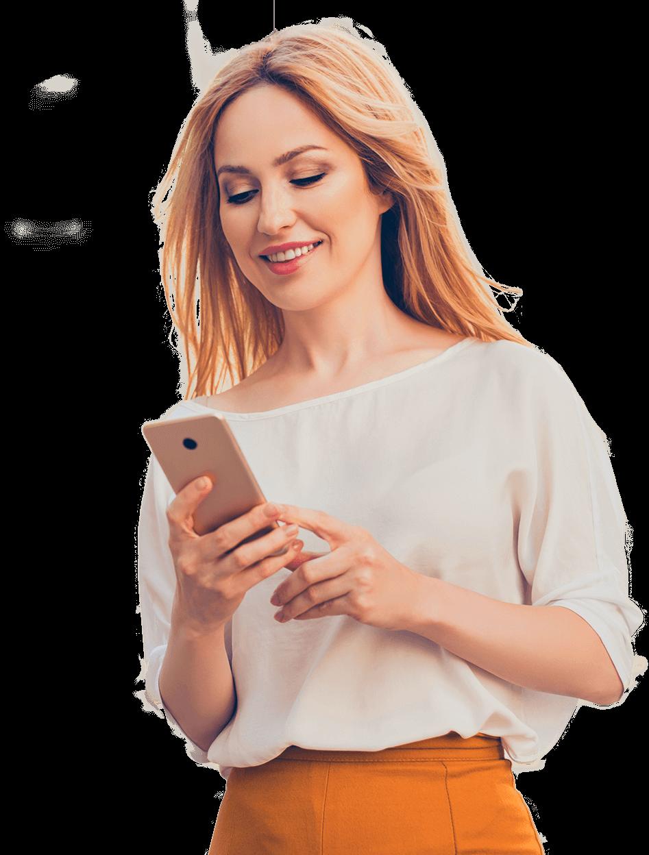 Mulher segurando celular